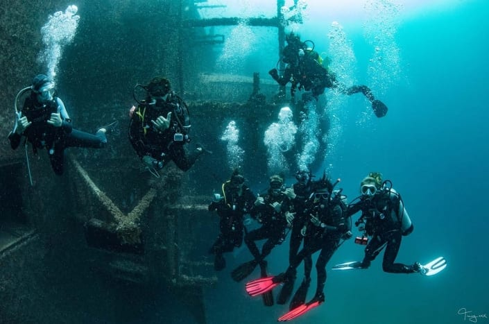 Group Scuba Diving ex HMAS Tobruk - Tobruk Experience Scuba Diving Tours